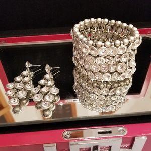 Jewelry - JEWELRY SET: Bracelet & Earrings
